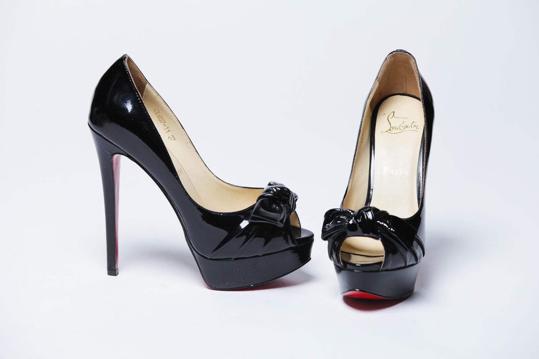 Лаковые черные туфли на высоком |... Обувь по