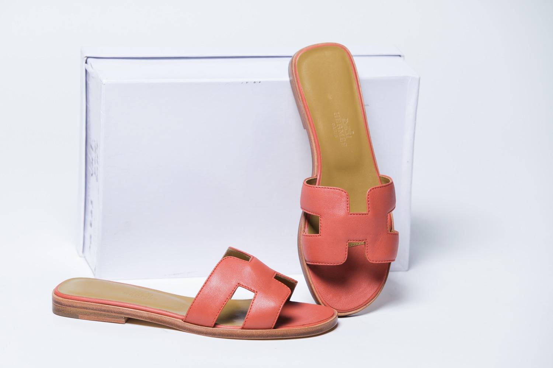 a1dcda4f910d Коралловые женские кожаные шлепки - купить в интернет-магазине Odensya.ru