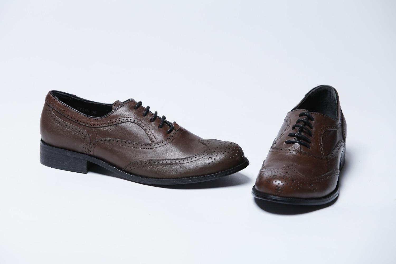 c4ed467ba20e Коричневые кожаные женские ботинки на шнурках Bottega Veneta в ...